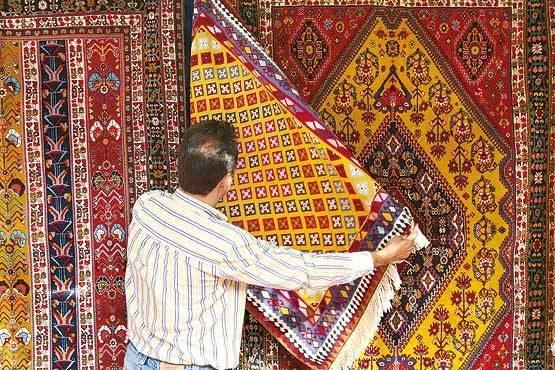 خارج کردن فرش دستباف از کشور چه قوانینی دارد؟