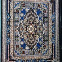 فرش ۷۰۰ شانه نگین مشهد هلال کد ۲۰۸۰ رنگ زمینه سرمه ای