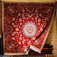 فرش ایرانی با کدام رقبا رو در رو هست؟