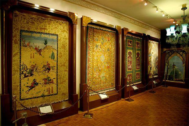 Image result for فرش در موزه_irancarpet