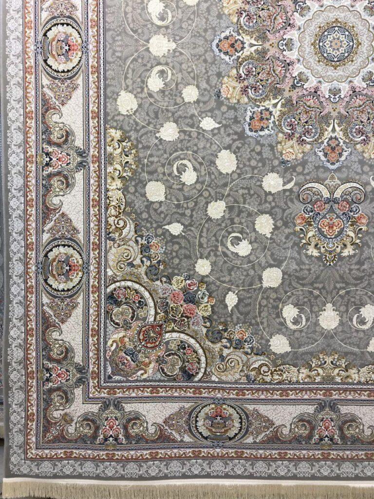 فرش 1500 شانه نقشه نوین زمینه نقره ای - گل برجسته