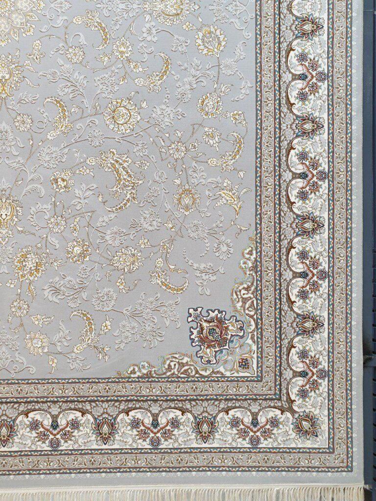 فرش 700 شانه نقشه ارغوان زمینه نقره ای