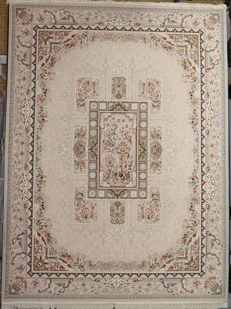 فرش آذین زمینه نقره ای