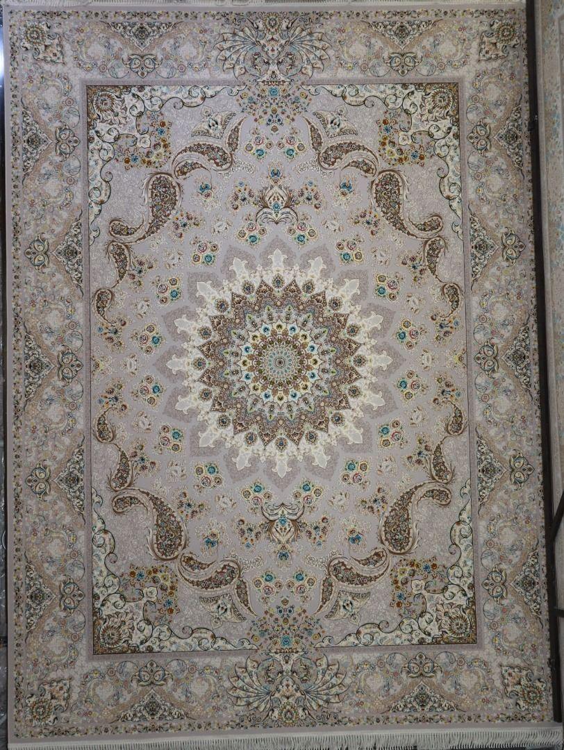 فرش سفیر زمینه نقره ای