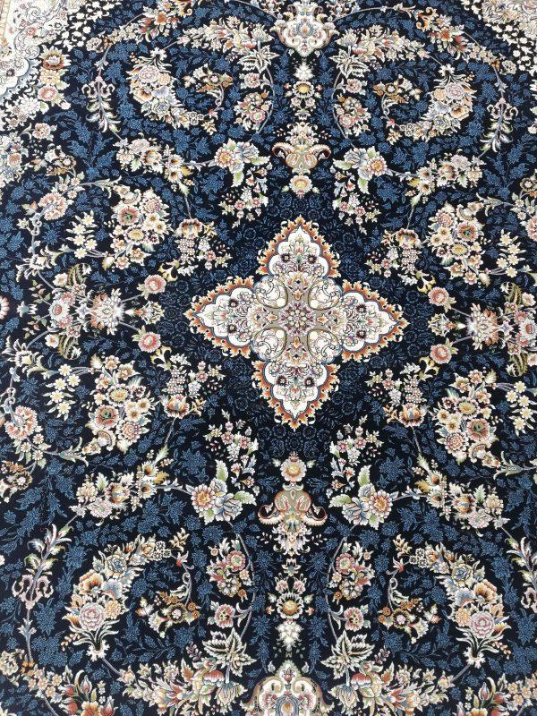فرش 700 شانه گل برجسته نقشه رستا زمینه سرمه ای