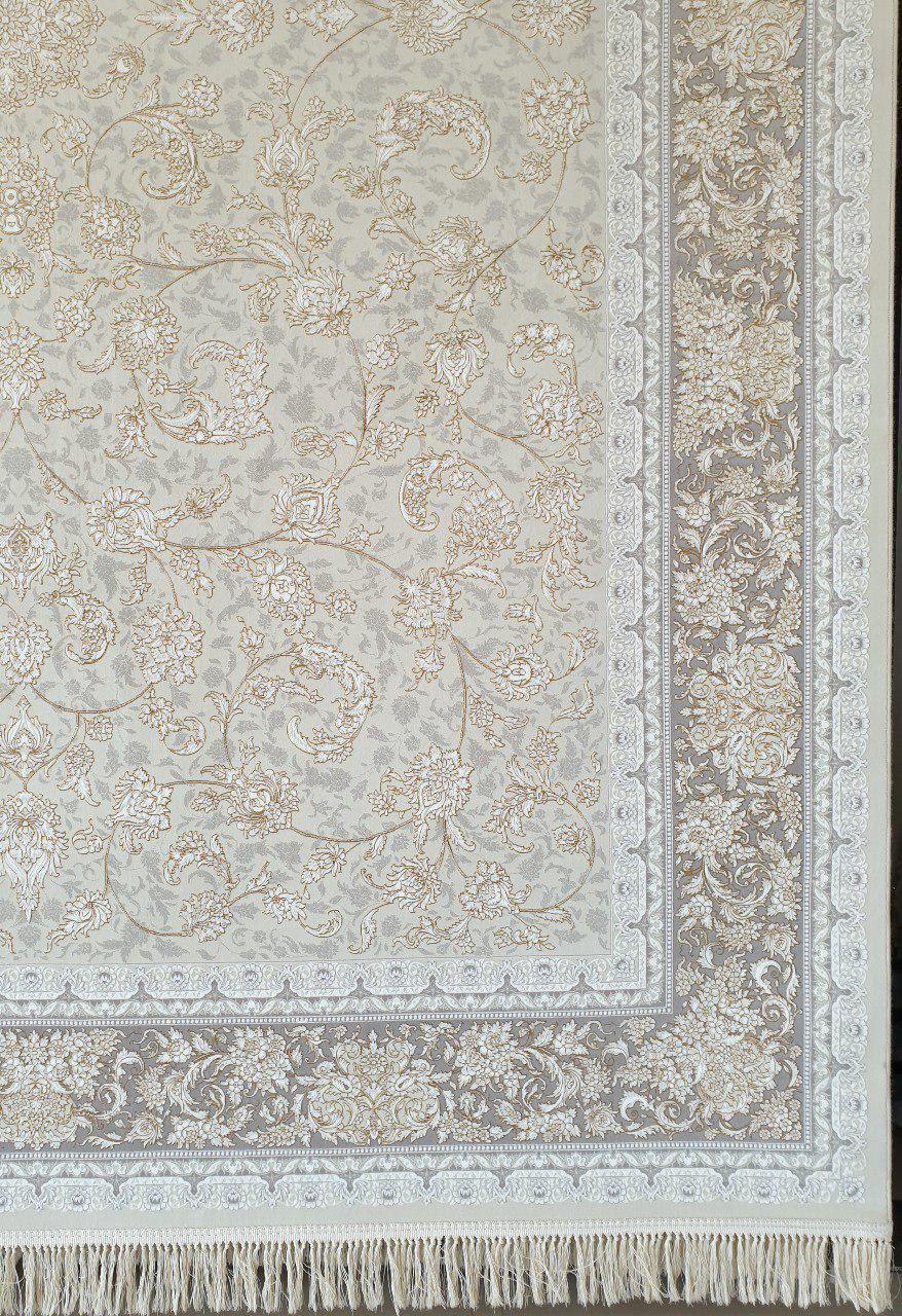 فرش 1200 شانه گل برجسته نقشه دنیز زمینه کرم حاشیه نقره ای