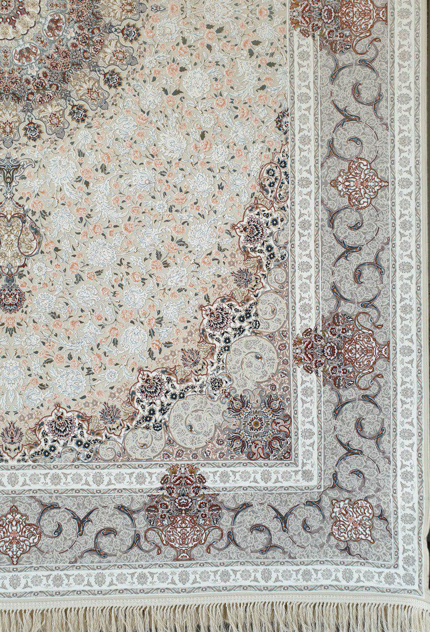 فرش 1200 شانه گل برجسته نقشه گلشید زمینه کرم حاشیه نقره ای