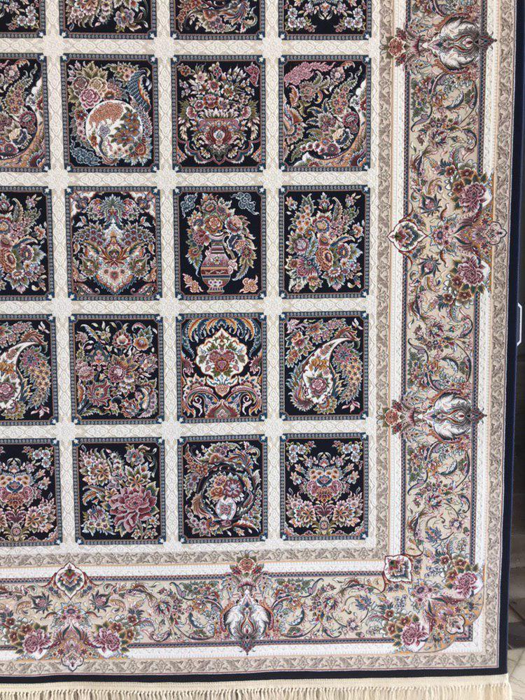 فرش 1200 شانه گل برجسته نقشه مهرانه زمینه سرمه ای