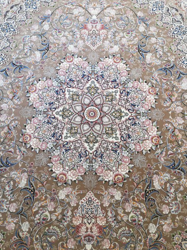 فرش 700 شانه گل برجسته نقشه میخک زمینه نسکافه ای