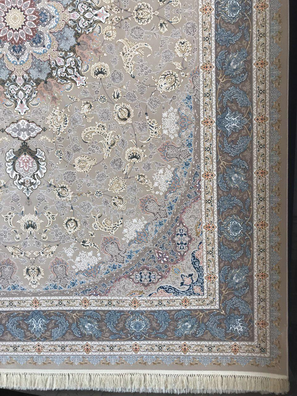 فرش 1200 شانه گل برجسته نقشه نایین زمینه فیلی حاشیه شکلاتی