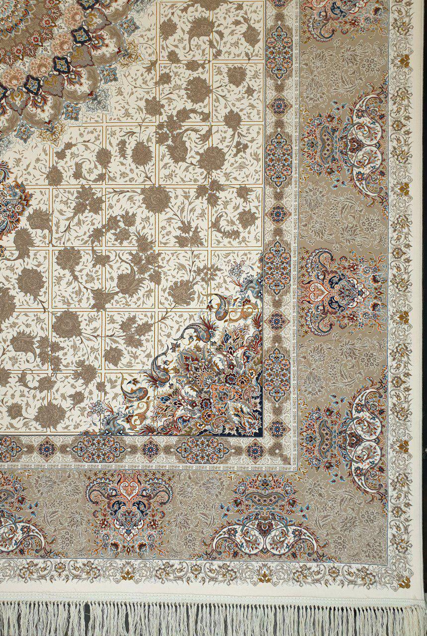 فرش 1200 شانه گل برجسته نقشه پیچک زمینه کرم حاشیه فیلی