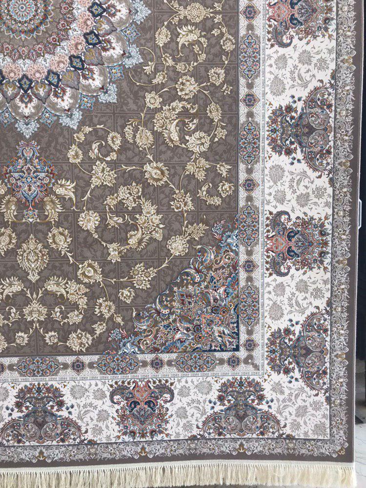 فرش 1200 شانه گل برجسته نقشه پیچک زمینه شکلاتی