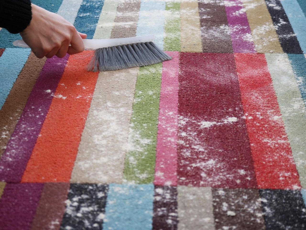 چگونه فرش ماشینی را تمیز کنیم