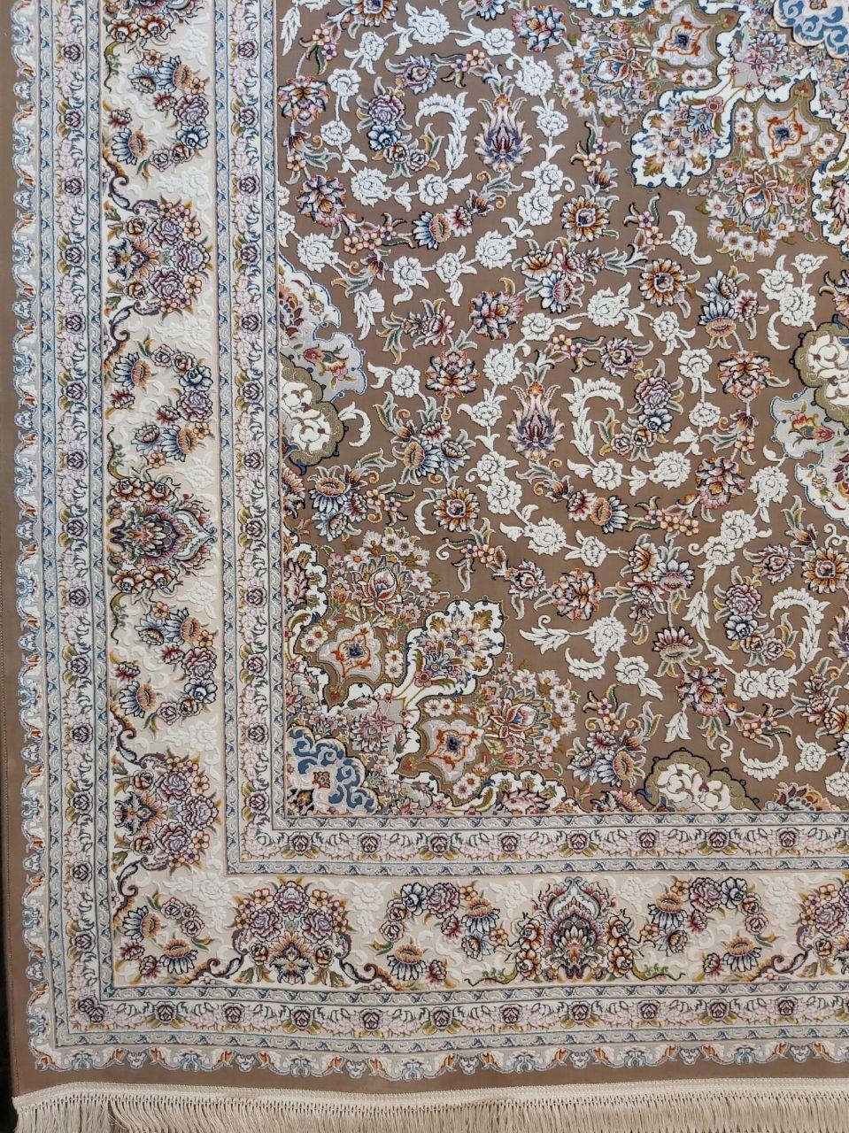 فرش 700 شانه گل برجسته نقشه طاها زمینه نسکافه ای