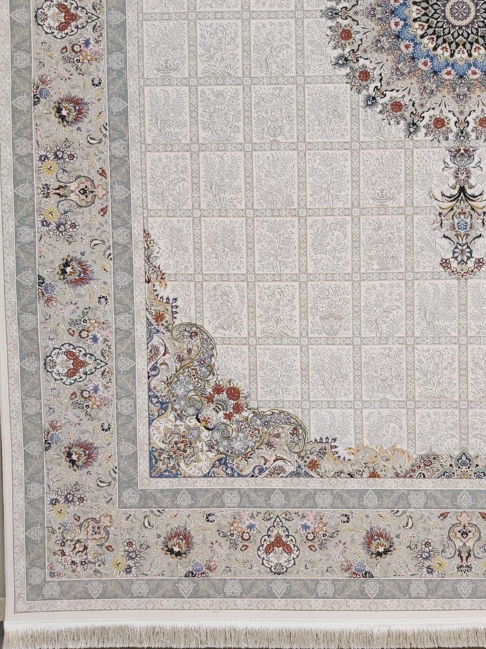 فرش 1500 شانه گل برجسته نقشه مانلی زمینه کرم