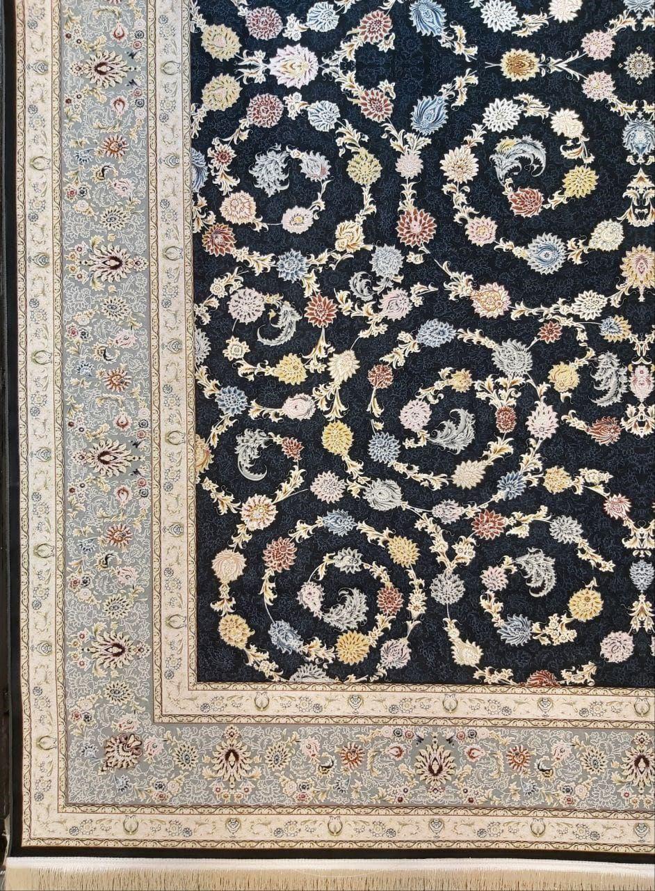 فرش 1500 شانه گل برجسته نقشه سارینا زمینه ذغالی